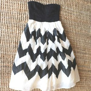Anthropologie Black and White Size 0 Dress